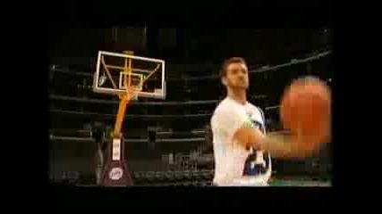 Justin Timberlake Taking Free Throws