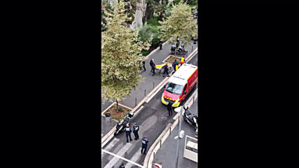 France: Gunshots ring out as local captures moment police shot Nice church attacker