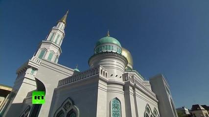 Владимир Путин откри най-голямата джамия в Европа.