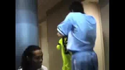 Ronaldinho, C.ronaldo i Ibrahimovic се сръжават с Joga Bonito по Freestyle
