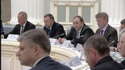 """Russia: Putin praises Russian businessmen for """"strengthening the sovereignty of Russia"""""""