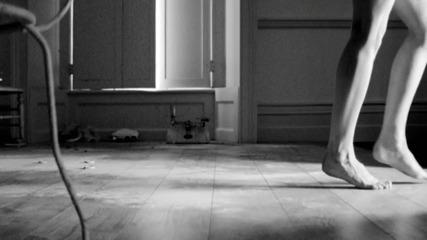 {прекрасна!} Ellie Goulding - Figure 8 ( Официално Видео )текст + превод
