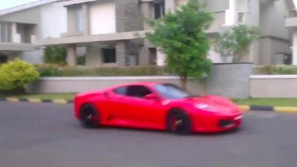 Малчугани подкарват Ferrari F430