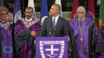 See Barack Obama Ignite A Chorus In Amazing Grace at Senator's Funeral
