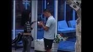 Как ли би реагирала Сашка, ако научи, че Павлин отново дава от своите цигари на Елеонора?