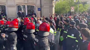 Spain: Police charge at protests of tube factory workers in front of Basque Parliament