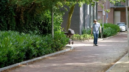 """Революционна детска количка от """"Фолксваген"""""""
