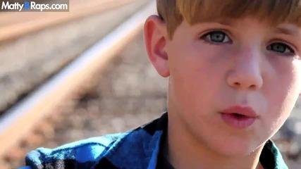 Невероятно! 7 Годишно дете рапира на песента на Kesha - We R Who We R Hd