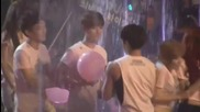 Jonghyun teasing Baekhyun Smtown 2012 La