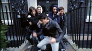 One Direction - One Way Or Another / Teenage Kicks - Official Music Video