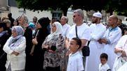 Мюсюлманската общност отдаде почит на убития свещеник във Франция