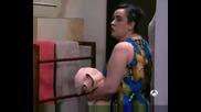 моите мили съседи - Claudia pilla a Ernesto con Ivanna.avi