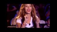 Невероятно изпълнение от Атанас Колев с песента на Тайга и Уиз - Molly - X Factor 2013 Bulgaria