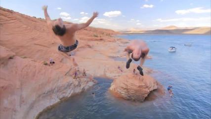 Лято е ! Момичета и момчета в щури водни забавления !