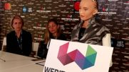 Какво искат жените? Роботът София отговаря от България