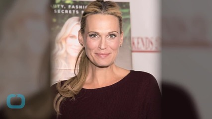 Molly Sims Shares Gorgeous Selfie With Newborn Daughter Scarlett--See the Pic!