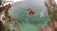 Безумен скок във вода