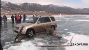 Якъл по руски - как се вади джип от леда само с въже и три греди