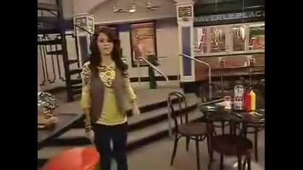 Wowp /mагьосниците от Уевърли плеис/ - Selena Gomez /алекс/ - зад кадър