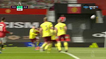 Манчестър Юнайтед - Бърнли 0:0 /първо полувреме/
