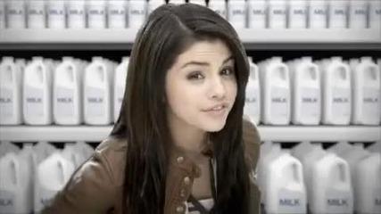 Селена Гомез в реклама за млякото!