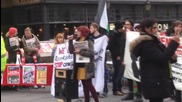 UK: Pro-refugee protesters face-off with EDL supporters in Newcastle
