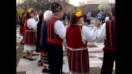Софрониево на Великден носий