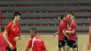 Срокове и контузии притискат националите по волейбол преди Световното