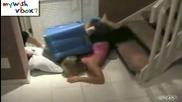 Жена се разби по стълбите (смях)
