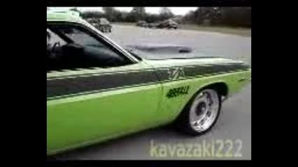 Dodge_challenger_1970_s_dvigatel
