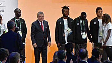 МОК приветства на бежанския олимпийски отбор