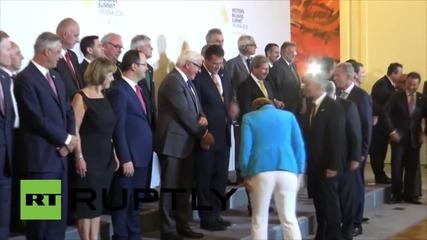 Austria: Merkel and European leaders pose for photo at Balkans summit