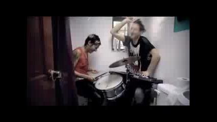 Мн добра песен Matt And Kim - Daylight