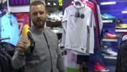 Тони Наика представя футболните обувки на футболистите от А група