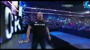 Скалата прави '' Натиска на Скалата '' на Марк Хенри (мача в между Сина и Марк Хенри - 2012