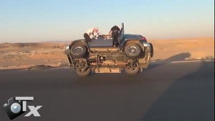 Лудаци изправят джипа на 2 гуми и свалят другите 2 в движение