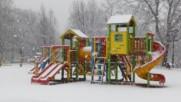 Сняг вали, София