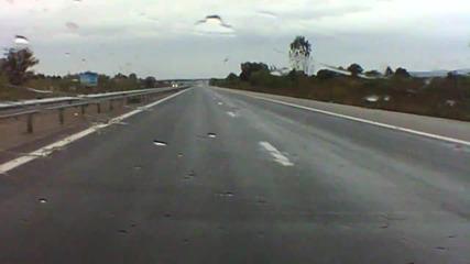 леко мокра настилка на магистрала тракия