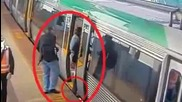 Хора повдигат влак в Австралия за да спасят пътник