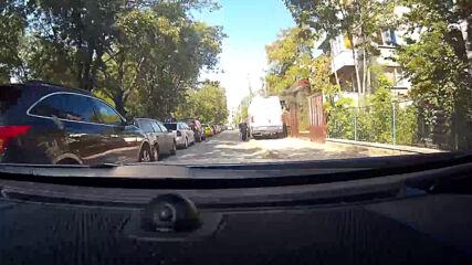 """""""Моята новина"""": Паркиране на тротоара"""