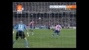 Меси аплодира Роналдиньо след страхотен гол със задна ножица