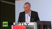 """Варуфакис покани Меркел да държи """"реч на надеждата"""" за гръцкия народ"""