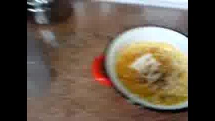 Изяденото Счупено Яйце - Яйце Power