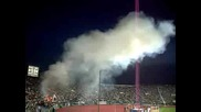 български фенове палят стадиона по време на мача България - Ирландия