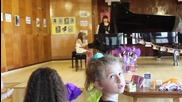 Лекси Александрия концерт по пиано изпълнява Малка нощна музика от Моцарт