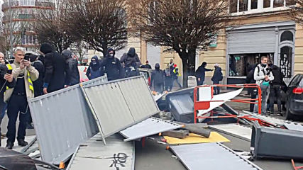France: Yellow Vest protesters clash with police in Lille