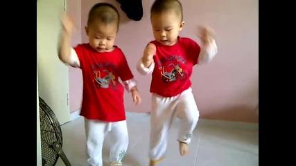 Gangnam Style-малките таланти :)