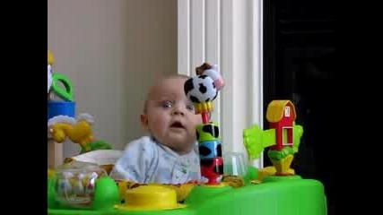 Много сладко бебенце се плаши
