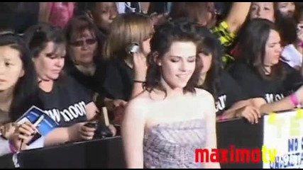 Kristen Stewart at The Twilight Saga New Moon La Premiere November 16, 2009