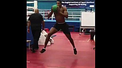 Как се става велик боксьор? Антъни Джошуа демонстрира!